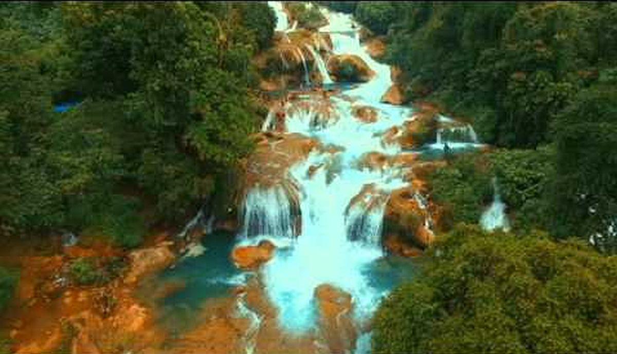 Die Philippinen im Video - Aliwagwag Wasserfälle in Cateel, Davao Oriental