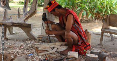 Die Philippinen im Video - Der Holzschnitzer