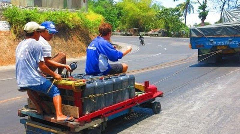 Die Philippinen im Video - Ungewöhnlicher Wassertransport in CDO