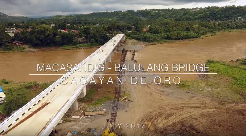 Die Philippinen im Video . Fortschritte am Bau der Macasandig-Balulang Brücke in Cagayan de Oro