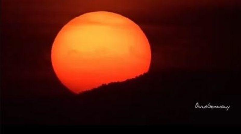 Die Philippinen im Video - Sonnenuntergang in der Bucht von Manila