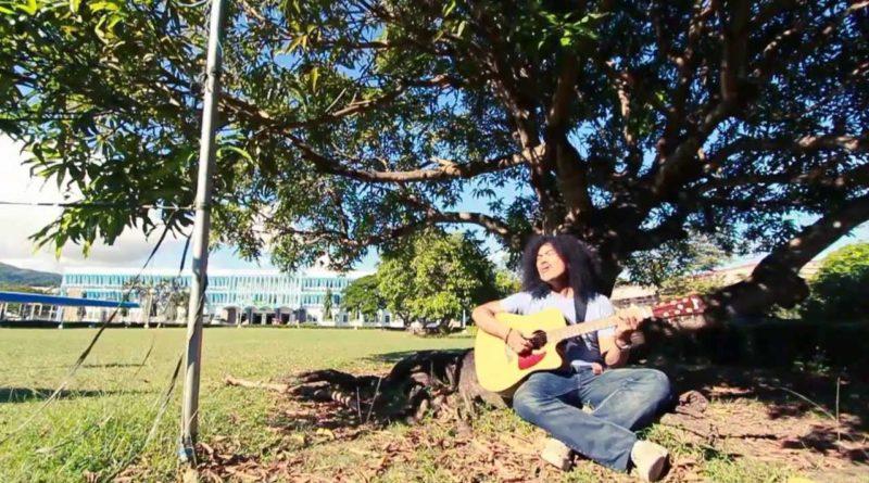 Die Philippinen im Video - Ein phlippinsiches Lied mit Gitarrenbegleitung - Pusong Gatim Tiam