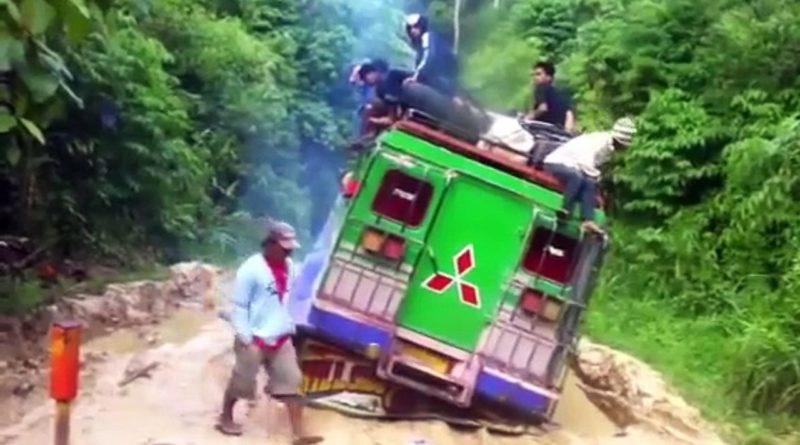 Die Philippinen im Video - Schlechte Wegstrecke von Kulaman nach Insulan in Sultan Kudarat