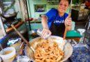 Die Philippinen im Video - Die besten Banana Egg Rolls im Mang Tootz Food House an der San Tomos Universität