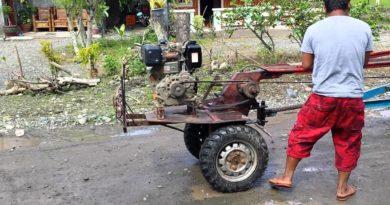 Die Philippinen im Video - Start eines Traktors zur Heimfahrt mit dem Kuliglig