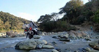 Die Philippinen im Video - Abenteuerliche Motorradfahrt mit Flussdruchquerungen
