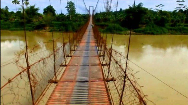 Die Philippinen im Video - Die Hängebrücke zwischen den Orten Talacogon und San Luis im abgelegenen Teil der Provinz Agusan del Sur