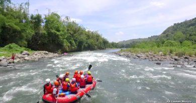 Die Philippinen im Video - Mit dem Schlauchboot über und durch die Stromschnellen in Cagayan de Oro