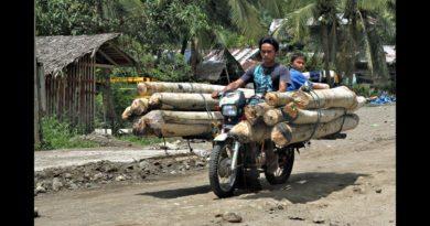 Die Philippinen im Video - Lustige Motorrad-Taxen - alles ist möglich
