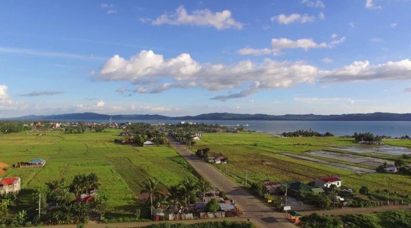 Die Philippinen im Video - Naval auf der Inselprovinz Biliran aus der Luft