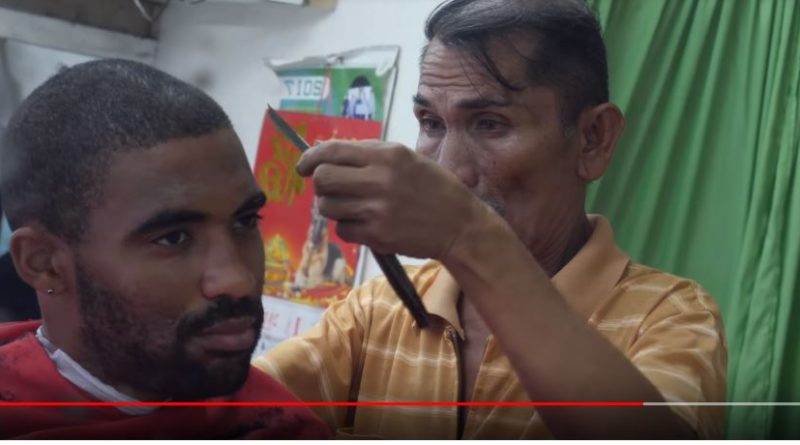 Die Philippinen im Video - Afro Haarschnitt in Surigao