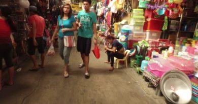 Die Philippinen im Video - Auf dem Markt in Olongapo