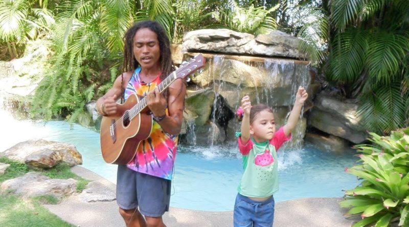 Die Philippinen im Video - Umweltlied am Strand von Dauin gesungen von Mr. Gaga