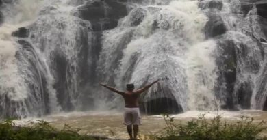 Die Philippinen im Video - Kliffspringen am Aliw Wasserfall in Laguna