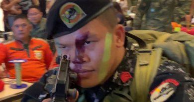 Die Philippinen im Video - Scout Ranger Demonstration in der Mall