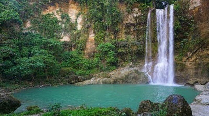 Die Philippinen im Video - Camugao Wasserfall in Balilihan